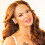 View artist Faith Evans