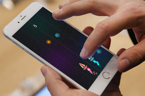 Asteroid Race - Dodge and Survive: Free and Addictive Retro Arcade Action Game screenshot 4