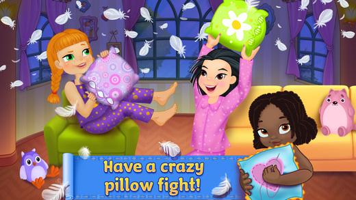 PJ Party - Crazy Pillow Fight
