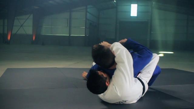 Brazilian Jiu-Jitsu: Closed Guard Defense