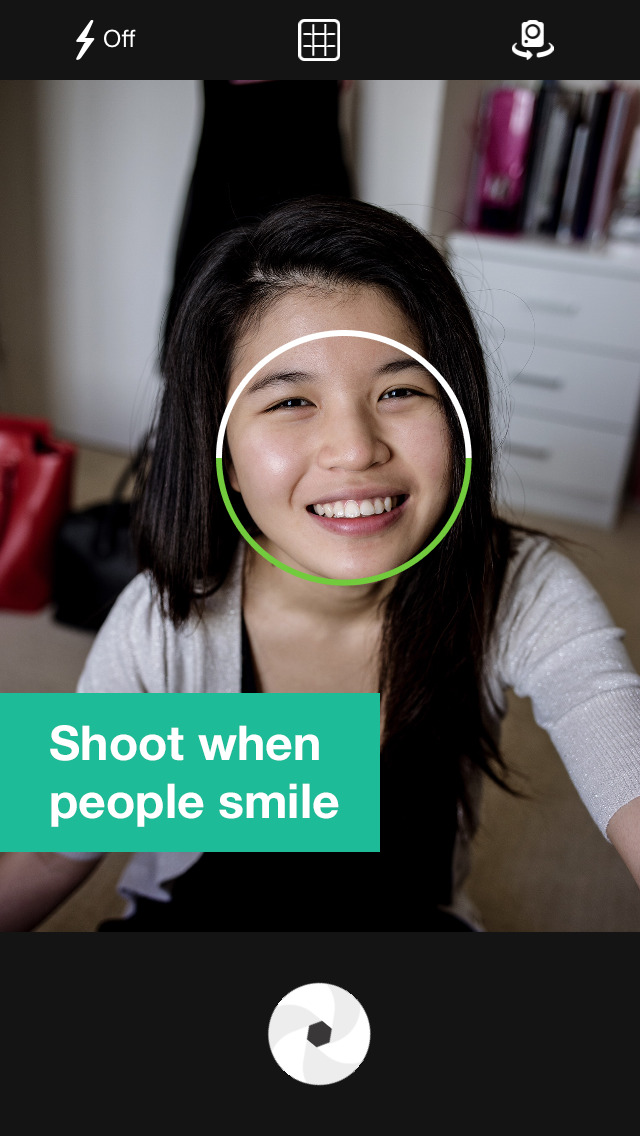 Smile Cam - Take Photo When People Are Smiling, Smile Detection screenshot 1