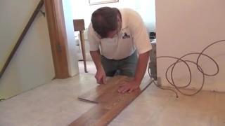 How To Lay Laminate Flooring screenshot 3